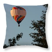 Balloon-7097 Throw Pillow
