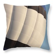 Balloon-bwb-7378 Throw Pillow