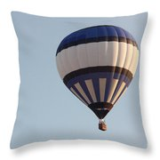Balloon-bwb-7399 Throw Pillow