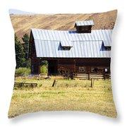 Barn Near Ellensburg Wa Throw Pillow