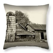 Barn - Old And Run Down Throw Pillow