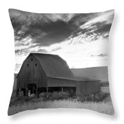 Barn On Rt.41 Ross County Throw Pillow