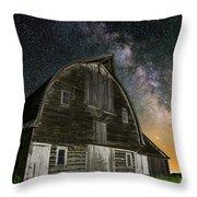 Barn Vi Throw Pillow