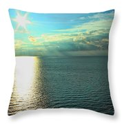 Bay Of Green Bay Wi Throw Pillow