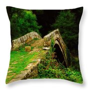 Beggars Bridge In Glaisdale North Yorkshire Throw Pillow