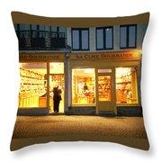Belgische Chocola Throw Pillow