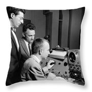 Bell Lab Scientists At Work Throw Pillow