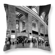 Black And White Pano Of Grand Central Station - Nyc Throw Pillow