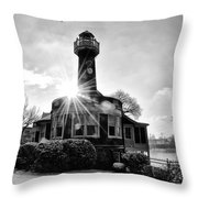 Black And White Philadelphia - Turtle Rock Lighthouse Throw Pillow