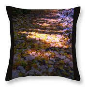 Bladertapijt Throw Pillow