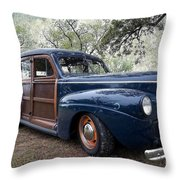 Car - Ford - Wagon - Classic Throw Pillow