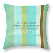 Carpe Diem Serie - Mother Teresa Throw Pillow