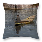Cartoon - Kashmiri Men Rowing Many Small Wooden Boats In The Waters Of The Dal Lake Throw Pillow
