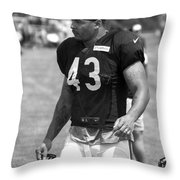 Chicago Bears Fb Tony Fiammetta Training Camp 2014 Bw Throw Pillow