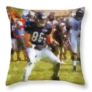 Chicago Bears Te Zach Miller Training Camp 2014 Pa 02 Throw Pillow