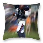 Chicago Bears Wr Armanti Edwards Moving The Ball Training Camp 2014 Throw Pillow