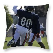 Chicago Bears Wr Armanti Edwards Training Camp 2014 04 Throw Pillow