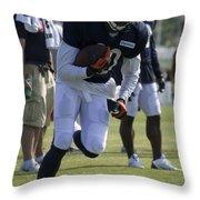 Chicago Bears Wr Armanti Edwards Training Camp 2014 05 Throw Pillow