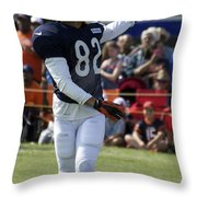 Chicago Bears Wr Chris Williams Training Camp 2014 04 Throw Pillow