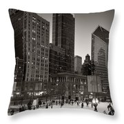 Chicago Park Skate Bw Throw Pillow