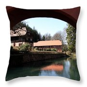 Circular Arc View Throw Pillow