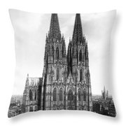 Cologne Cathedral Throw Pillow