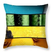 Coloration Throw Pillow