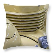 Cord 812 Oldtimer From 1937 Grill Throw Pillow
