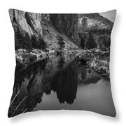 Crooked River Reflection Bw Throw Pillow