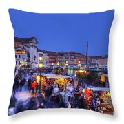 Crowd In Venice Throw Pillow