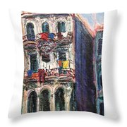 Cuba Edificios Throw Pillow