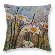 Daisy Dreams Throw Pillow