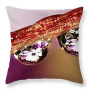Daisy Droplets Throw Pillow