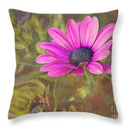 Daisy In Pink Throw Pillow