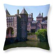 De Haar Castle And Moat Throw Pillow