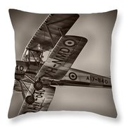De Havilland Dh-82a Tiger Moth V5 Throw Pillow