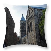 Domkyrkan Lund Se 11 Throw Pillow