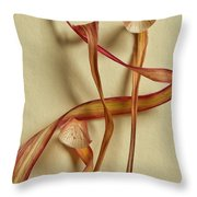 Dry Leaves Detail Throw Pillow