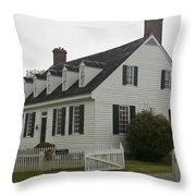 Dudley Diggs House Yorktown Throw Pillow