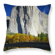 2m6516-el Capitan Reflect Throw Pillow