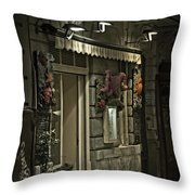 El Cucurucho - Madrid Throw Pillow