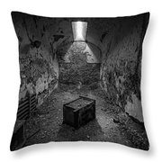 End Table Bw Throw Pillow