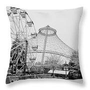 Ferris Wheel And R F P Pavilion - Spokane Washington Throw Pillow
