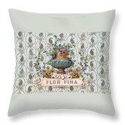 Flor Fina Throw Pillow