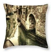 Front Door In Venice Throw Pillow