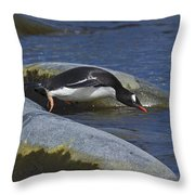 Going In.. Throw Pillow