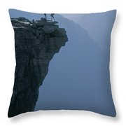M-m6743-hikers On Half Dome's Lip Throw Pillow