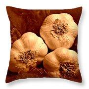 I Dream Of Garlic Throw Pillow