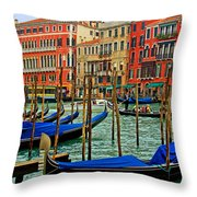 Il Canalazzo Venezia Throw Pillow