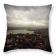 jour de pluie a Istanbul III Throw Pillow